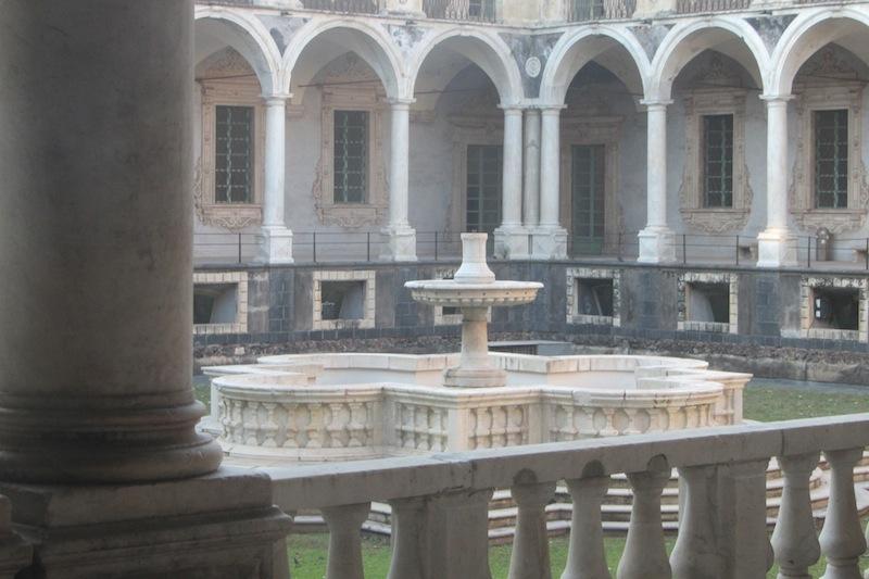 fontana quadrilobata monastero dei benedettini catania